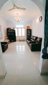Gallery Cover Image of 2266 Sq.ft 2 BHK Independent House for buy in Thoraipakkam for 15000000