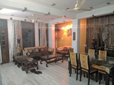 Gallery Cover Image of 1350 Sq.ft 3 BHK Apartment for rent in Pitampura for 35000