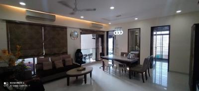 Gallery Cover Image of 1800 Sq.ft 3 BHK Apartment for buy in River Heaven, Juhu for 75000000