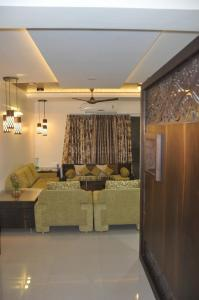 Gallery Cover Image of 1315 Sq.ft 2 BHK Apartment for rent in Kharadi for 40000