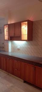 Gallery Cover Image of 2000 Sq.ft 3 BHK Independent Floor for rent in Sushant Lok I for 40000