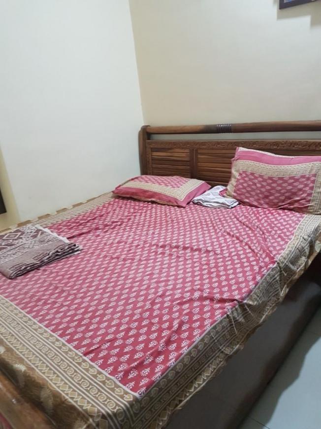 Bedroom Image of 1050 Sq.ft 2 BHK Apartment for rent in Kopar Khairane for 20000