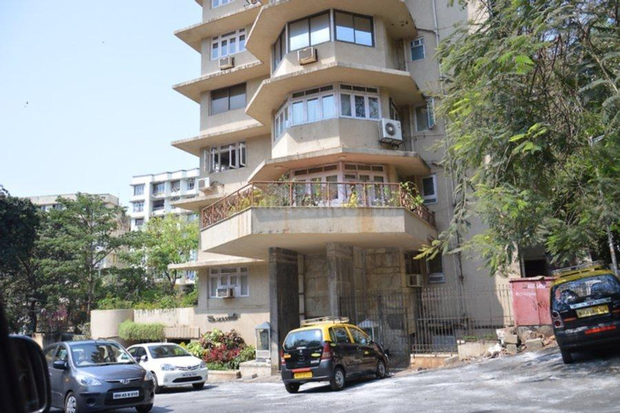Building Image of 1650 Sq.ft 3 BHK Apartment for buy in Malabar Hill for 150000000