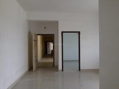 Gallery Cover Image of 939 Sq.ft 2 BHK Apartment for rent in Kaikhali for 10000
