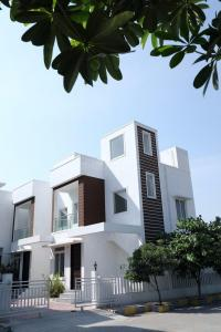 Gallery Cover Image of 1000 Sq.ft 3 BHK Villa for rent in Oragadam for 14000