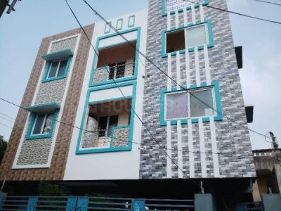 Gallery Cover Image of 2400 Sq.ft 2 BHK Apartment for buy in Porur for 3860000