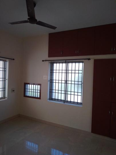 Living Room Image of 860 Sq.ft 2 BHK Apartment for rent in Selaiyur for 10000