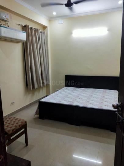 सेक्टर 31 में सेफ स्टे बॉइज़ पीजी के बेडरूम की तस्वीर
