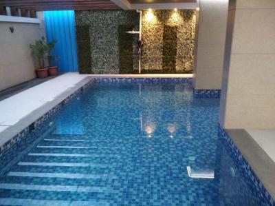 Gallery Cover Image of 840 Sq.ft 2 BHK Apartment for rent in Sethia Grandeur, Bandra East for 65000
