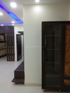 सनलाइट  कॉलोनी  में 20000000  खरीदें  के लिए 20000000 Sq.ft 3 BHK अपार्टमेंट के गैलरी कवर  की तस्वीर