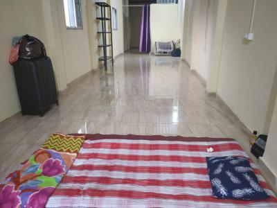Gallery Cover Image of 500 Sq.ft 2 BHK Independent Floor for rent in Goregaon West for 5000
