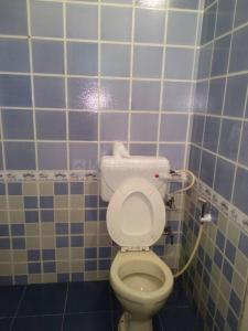 Bathroom Image of Gurdeep Proprety in Santacruz East