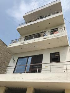Gallery Cover Image of 800 Sq.ft 2 BHK Independent Floor for buy in Sector 49 for 3500000