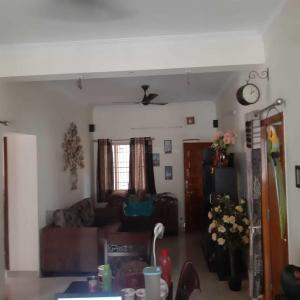 Gallery Cover Image of 1075 Sq.ft 2 BHK Apartment for buy in Ekkatuthangal for 9000000