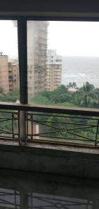 Gallery Cover Image of 1700 Sq.ft 3 BHK Apartment for buy in Bandra West for 140000000
