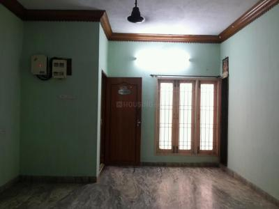 Gallery Cover Image of 1050 Sq.ft 2 BHK Apartment for buy in Vyasarpadi for 6000000