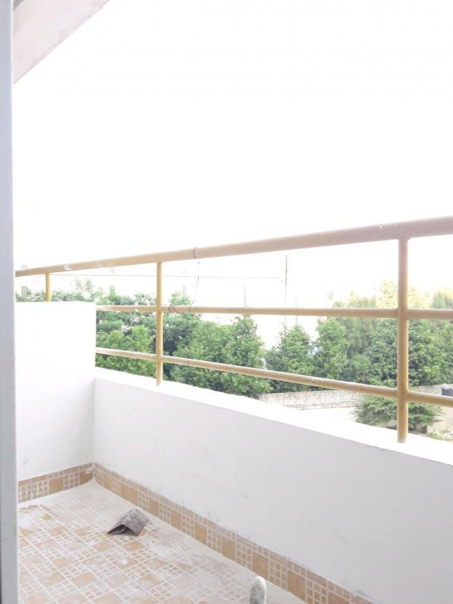 Living Room Image of 945 Sq.ft 2 BHK Apartment for buy in Maduravoyal for 5700000