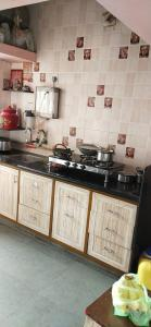 Gallery Cover Image of 990 Sq.ft 2 BHK Apartment for buy in Vasna for 5500000