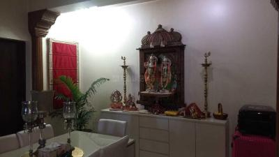 Gallery Cover Image of 1800 Sq.ft 3 BHK Independent Floor for rent in Alaknanda for 45000