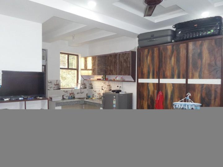 मालिक पीजी इन डीएलएफ़ फेज 3 के किचन की तस्वीर