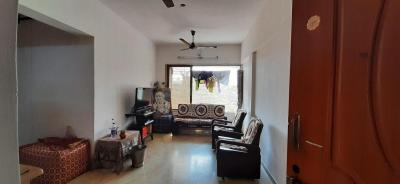 Gallery Cover Image of 730 Sq.ft 2 BHK Apartment for rent in Kandivali West for 35000