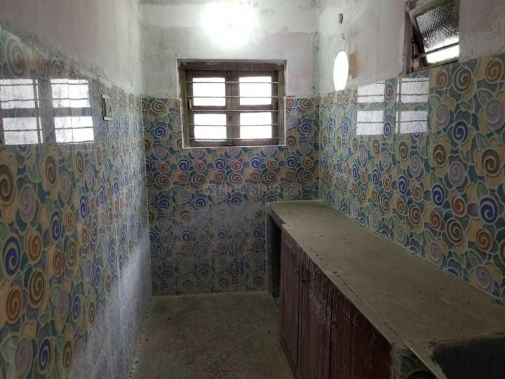 Kitchen Image of 1000 Sq.ft 2 BHK Independent Floor for rent in Sodepur for 10000