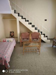 Gallery Cover Image of 650 Sq.ft 1 BHK Independent Floor for rent in Indira Nagar for 20000
