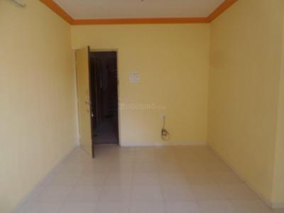 Gallery Cover Image of 900 Sq.ft 2 BHK Apartment for buy in Malad East for 17000000
