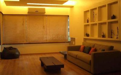 Gallery Cover Image of 1450 Sq.ft 3 BHK Apartment for rent in Bandra West for 118000
