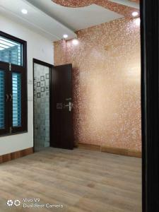Gallery Cover Image of 950 Sq.ft 3 BHK Independent Floor for buy in Burari for 2800000