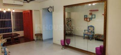 Gallery Cover Image of 1000 Sq.ft 2 BHK Apartment for rent in TakshilaSociety, Andheri East for 48000