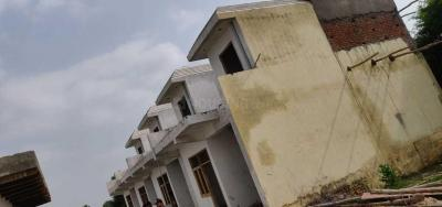 Gallery Cover Image of 1560 Sq.ft 3 BHK Independent House for buy in Noida Extension for 3360000