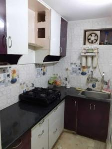 Gallery Cover Image of 350 Sq.ft 1 RK Independent Floor for rent in Shalimar Bagh for 12000