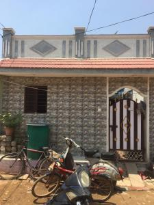 Gallery Cover Image of 850 Sq.ft 1 BHK Independent House for buy in Miyapur for 2100000