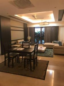 Gallery Cover Image of 2300 Sq.ft 3 BHK Apartment for rent in Powai for 200000