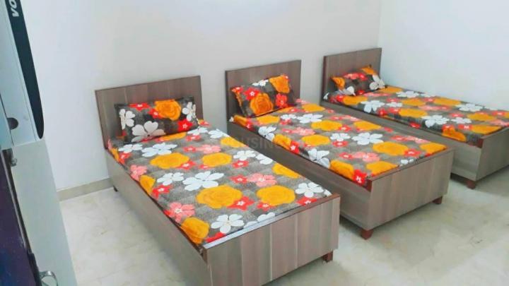 सेक्टर 32 में क्लाउडनाइन होम्स के बेडरूम की तस्वीर
