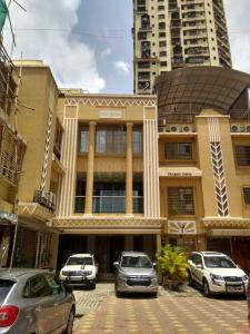 Gallery Cover Image of 8500 Sq.ft 7 BHK Independent House for buy in Borivali West for 160000000