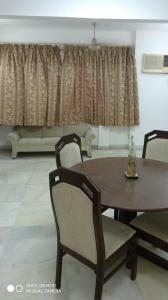Dining Area Image of 800 Sq.ft 1 BHK Apartment for buy in Colaba for 22500000