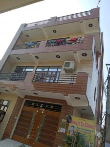 Gallery Cover Image of 2500 Sq.ft 4 BHK Independent House for rent in Sector 110A for 13500