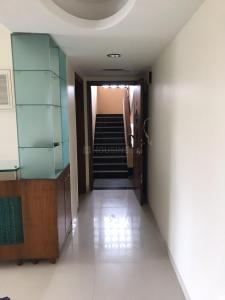 Gallery Cover Image of 1000 Sq.ft 2 BHK Apartment for rent in Santacruz West for 120000