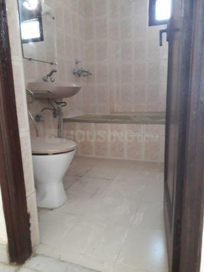 Common Bathroom Image of 1976 Sq.ft 3 BHK Apartment for rent in Vaishali for 23500