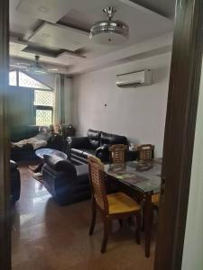 Gallery Cover Image of 1440 Sq.ft 3 BHK Independent Floor for buy in GTB Nagar for 14600000
