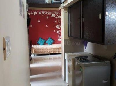 Gallery Cover Image of 1200 Sq.ft 3 BHK Apartment for rent in Thane West for 28000