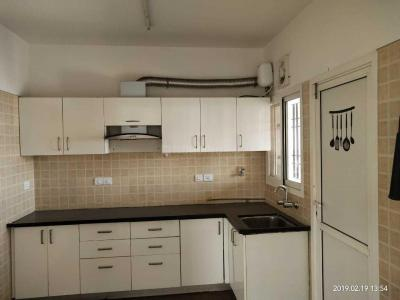 Gallery Cover Image of 1500 Sq.ft 3 BHK Apartment for rent in Kondhwa for 22000