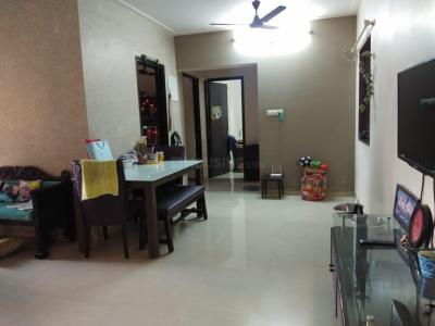 Gallery Cover Image of 612 Sq.ft 1 BHK Apartment for rent in Kandivali East for 21000