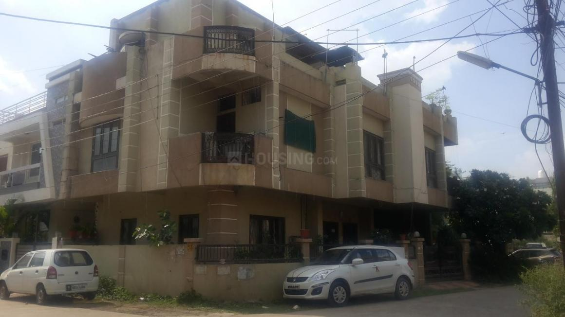 Building Image of 2200 Sq.ft 3 BHK Independent House for buy in Goyal Vihar for 12000000