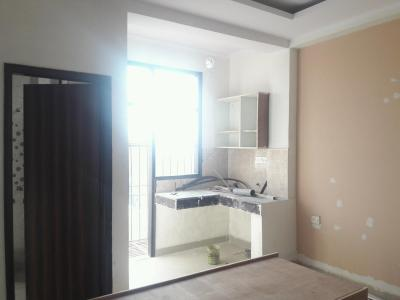 Gallery Cover Image of 350 Sq.ft 1 RK Apartment for rent in DLF Phase 3 for 13500