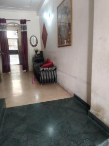 Gallery Cover Image of 1282 Sq.ft 3 BHK Independent Floor for buy in Sector 49 for 3840000