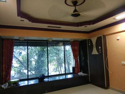 Gallery Cover Image of 1250 Sq.ft 3 BHK Apartment for rent in Kandivali West for 36000
