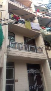 Gallery Cover Image of 1000 Sq.ft 2 BHK Independent Floor for rent in Ramesh Nagar for 15500